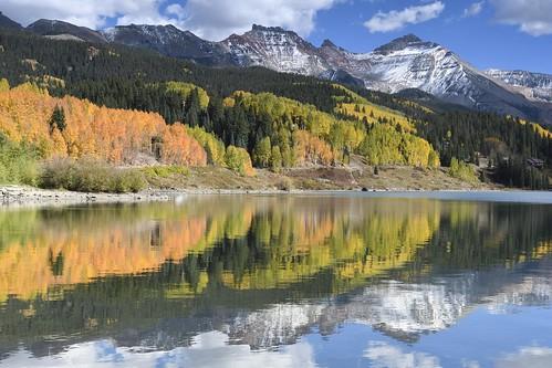 nikon d500 landscape blue sky clouds lake reflection aspens fall molaslake snow