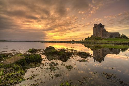 ireland sunset galway atlanticocean irishcastle dunguaire kinvarra dunguairecastle irishlandscape irishsunset irishseascape markdesmond thephotographyblog dunguairecastlekinvarra