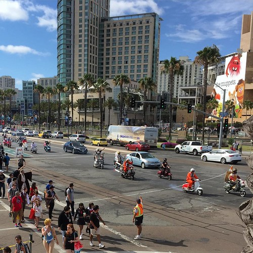 #StarWars Scooter Parade outside #ComicCon #SanDiego #sdcc2015