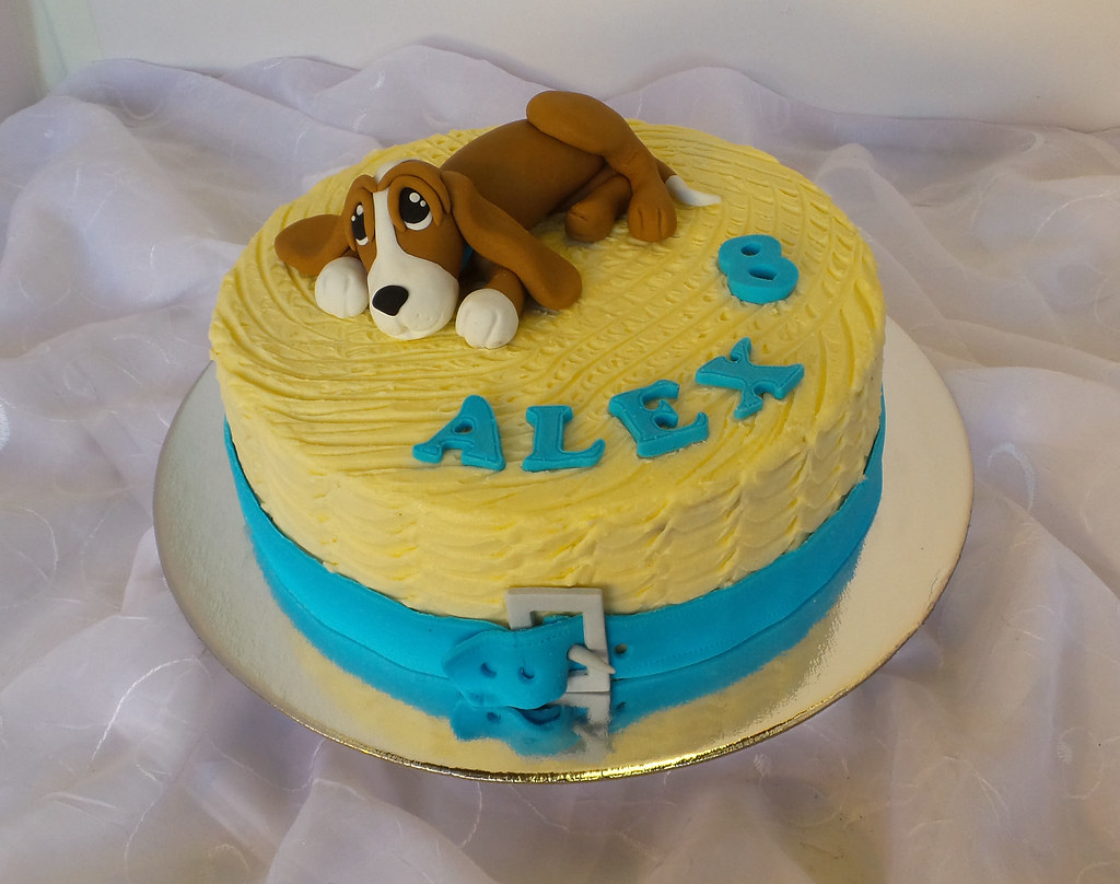 Astonishing Dog Themed Carrot Birthday Cake Design Was Brought In By C Flickr Funny Birthday Cards Online Fluifree Goldxyz