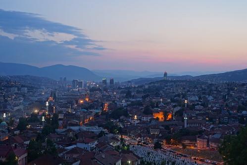 longexposure twilight nightshot bosnia bluehour hdr nachtaufnahme bosna langzeitbelichtung blauestunde bosniaandherzegovina bosnien heurebleue bosnaihercegovina bosnienundherzegowina žutatabija