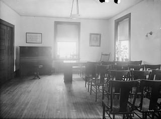 Boardroom, Home for Friendless Women / Salle du conseil, Home for Friendless Women (maison pour femmes abandonnées)
