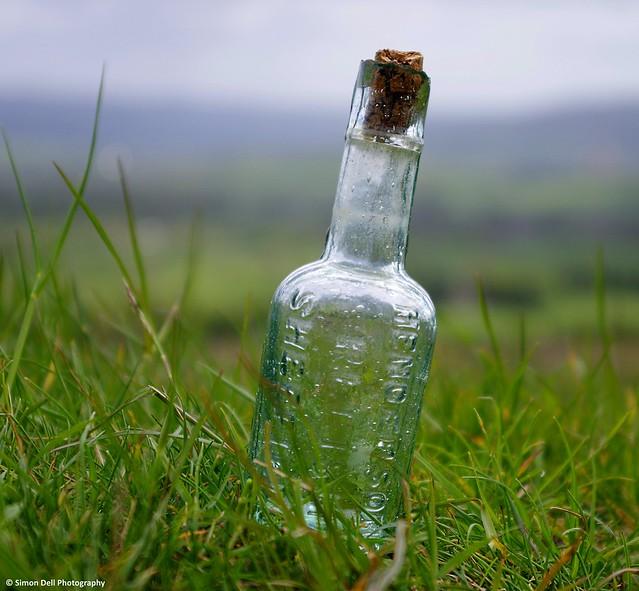 vintage hendersons relish bottle