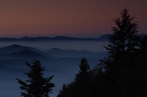 blueridgemountains blueridgeparkway dawn sunrise smoke balsam waterrockknob overlook