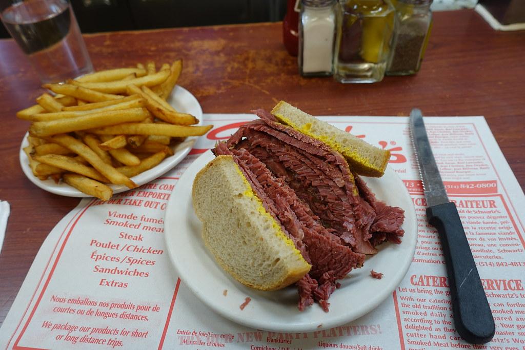 Smoked Meat Sandwich @ Schwartz's Deli @ Le Plateau @ Mont… | Flickr