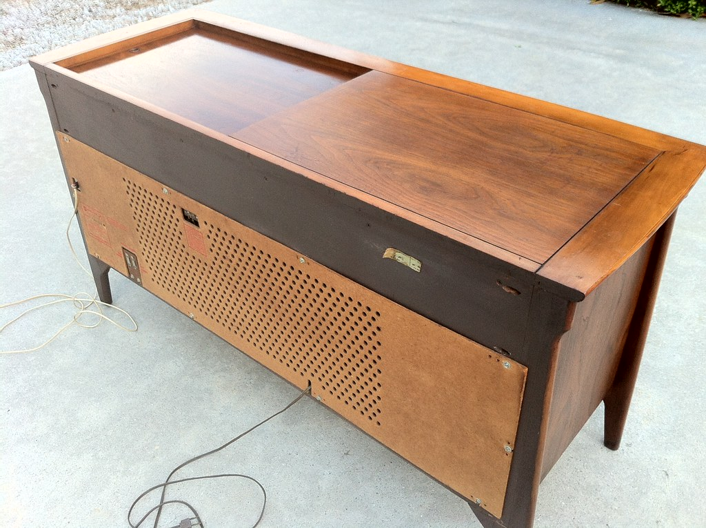 Mid Century Modern RCA Console Stereo | Vintage 1960s RCA Vi… | Flickr