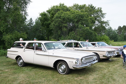 1962 Dodge Dart 440 & Plymouth Fury Station Wagon | by Crown Star Images