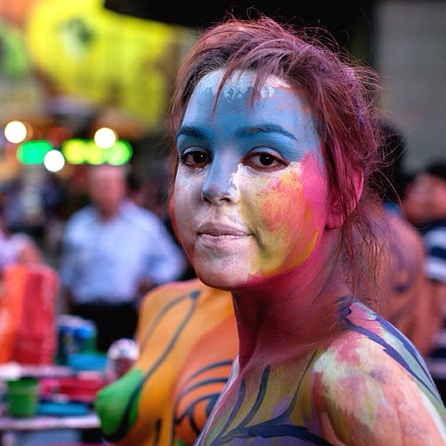 Body Art in NYC. Imagine seeing a group of performers dressed only in body paint (the most sensitive parts covered with clothing albeit brief). #bodypaint #colorful (July 17, 2013, New York, NY)