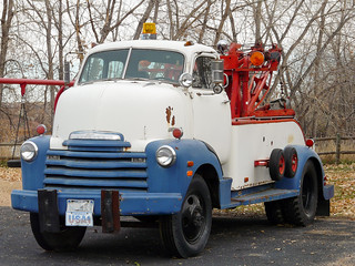 Chevrolet COE tow truck | by GRBrown1
