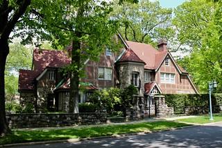 Grosvenor Atterbury House, Forest Hills