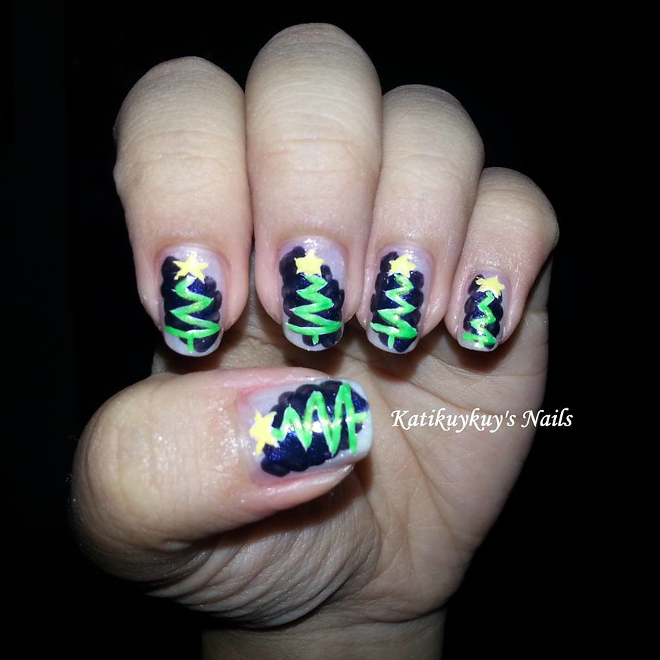 Christmas Tree Nail Art Design A Nail Art Design For The C Flickr