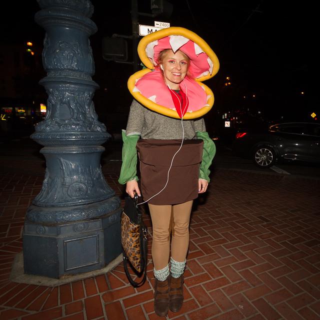 SF Halloween 2013: feeder