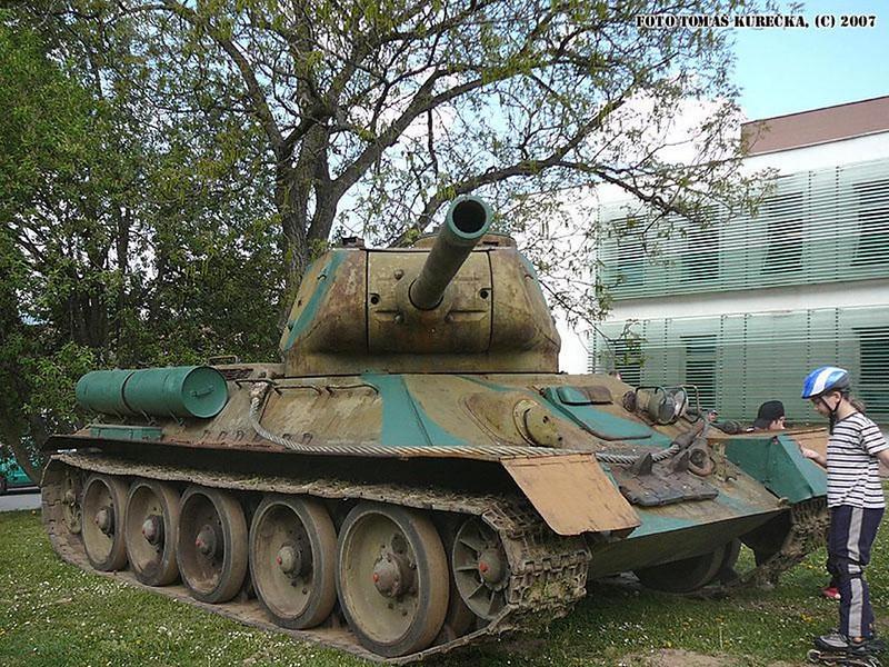 T-34 85 (1)