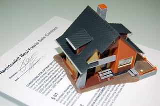 House Renting, Buying, Selling Contract | by MarkMoz12