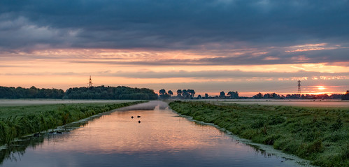 middendelfland canal sunrise
