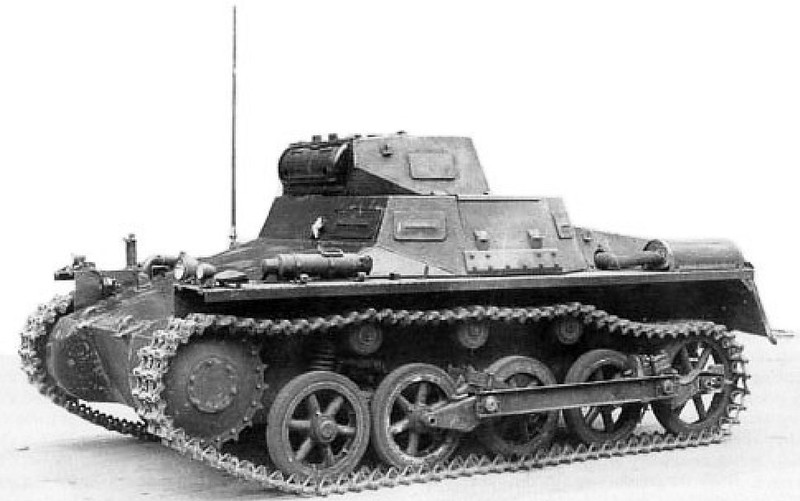 Panzer I & II (8)