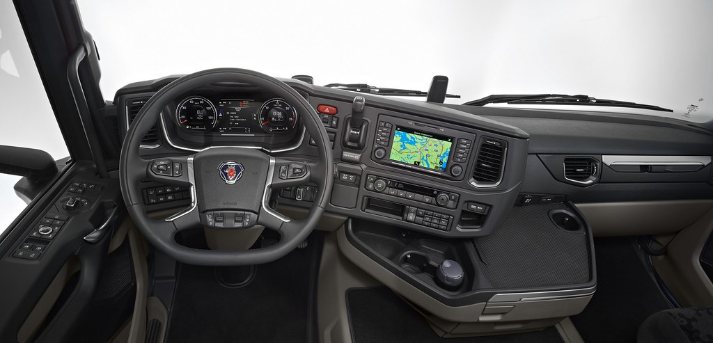 Scania R-Series | Cab interior, steering wheel and dashboard