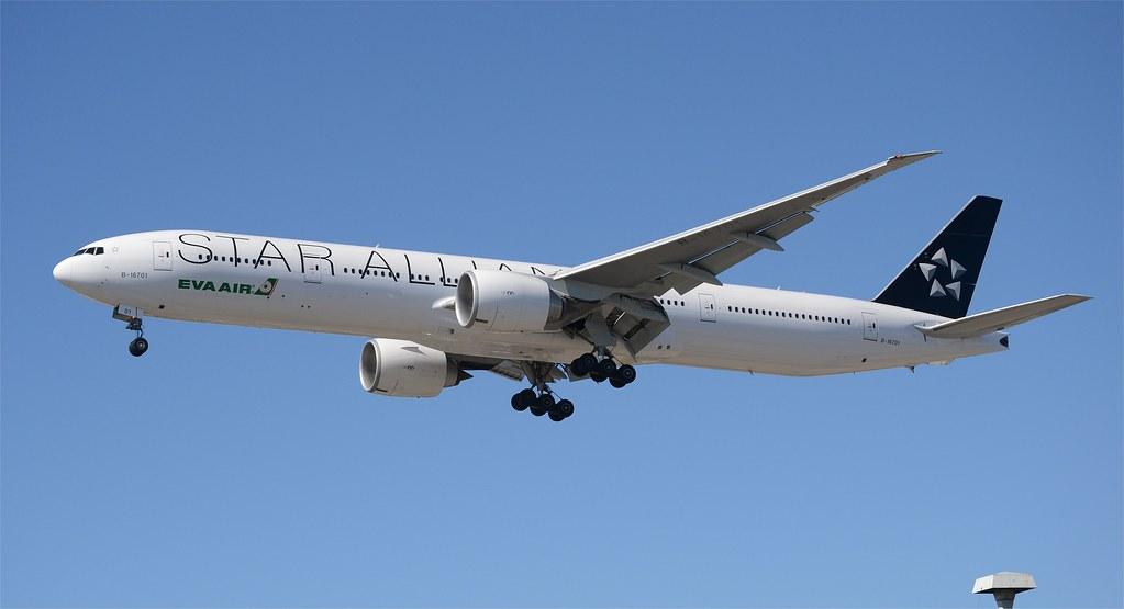 201ce8f77 EVA Air Star Alliance 777-300 (B-16701) LAX Approach 1   Flickr