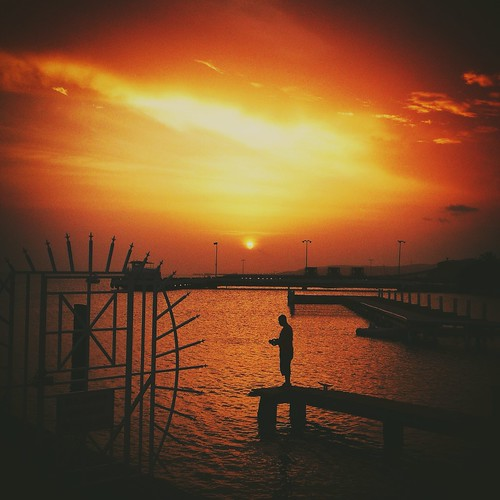 sunset sky cloud sun boats atardecer bay pier fishing fisherman puertorico ponce ocaso nautico laguancha paseotabladolaguancha uploaded:by=flickrmobile brooklynfilter flickriosapp:filter=brooklyn