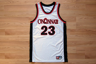 big sale 82802 c6758 Game-Issued Cincinnati Bearcats Basketball Jersey | Made by ...