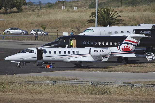 V5-TTO Learjet 45 Cascais 25May2014