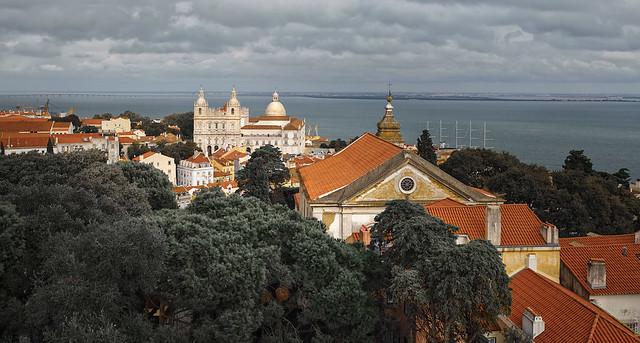 RUS21147(Lisboa. View from Castello Sao Jorge)