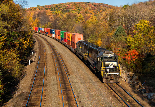 ns norfolk southern sd40e cassandra pittsburgh line subdivision railroad rails overlook park fall autumn leaves emd stack train color triple track main pennsylvania october trees tree helpers helper