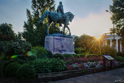 street city statue landscape virginia nikon downtown outdoor charlottesville robertelee leepark bobmical
