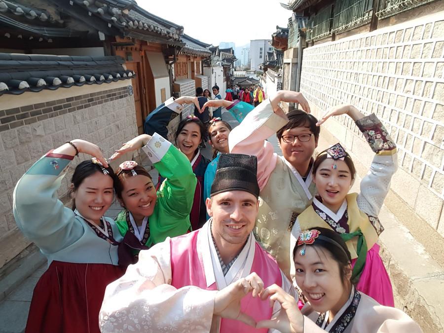 Nguyen, Anna; South Korea - Episode 10 (4)