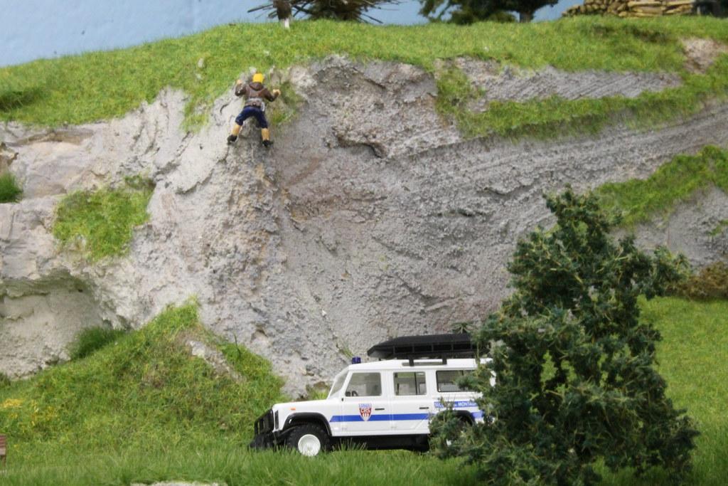 Land rover Defender CRS Secours en montagne