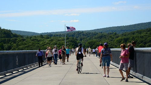 On the Walkway Over the Hudson | by slgckgc