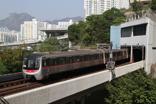 MTR CNR Changchun EMU enters the tunnel portal at Kowloon Bay