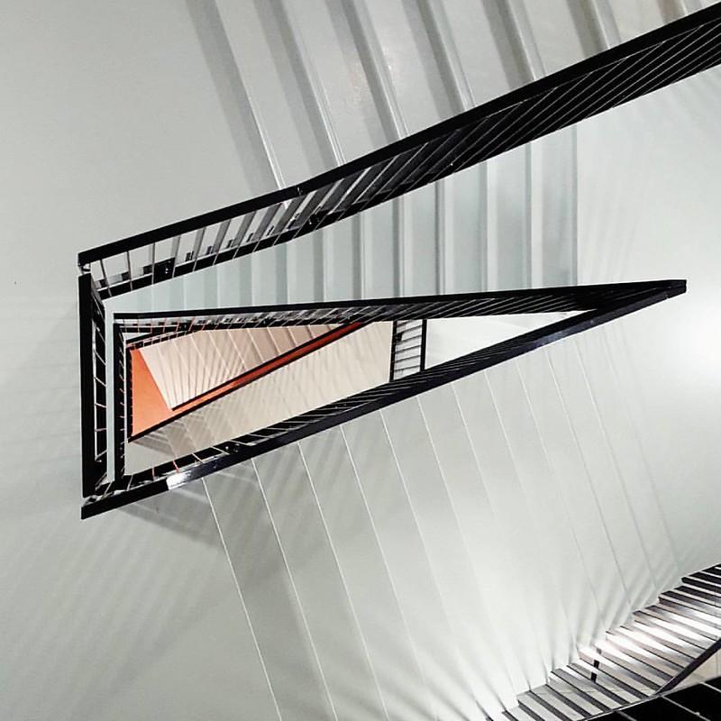 Stairs Cube design museum Kerkrade #limburg #nederland #minimalistic #architecture #monochrome #minimalistic #minimalism #soulminimalist #minimalism_life #minimalzine #whiletravelling #wanderlust #stairs