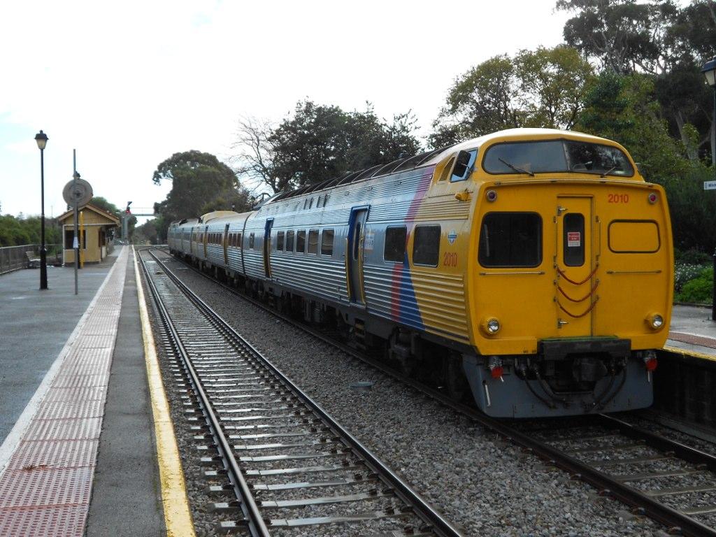 2010/2114/2117/2008 at Mitcham Railway Station by Samuel Wittwer