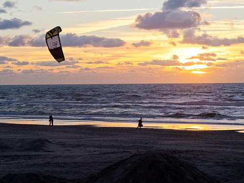 sunset sea people kite france beach englishchannel picardie letouquetparisplage