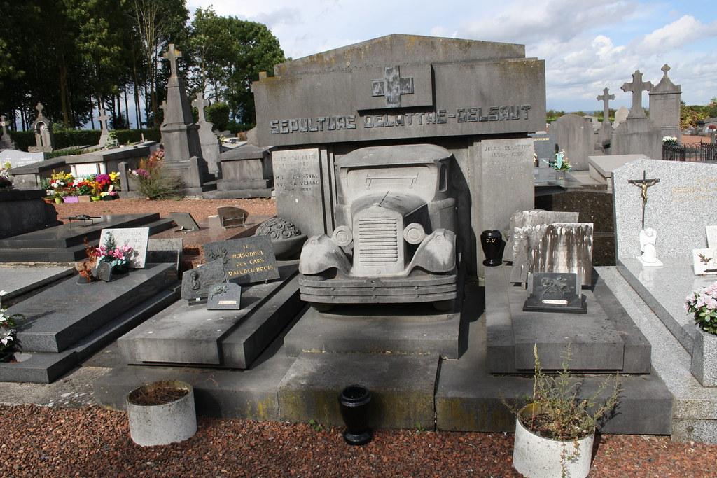 Une tombe bien originale !
