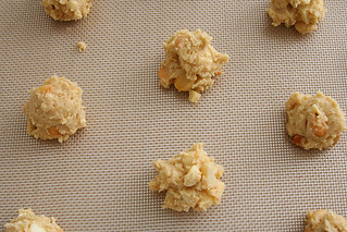 white chocolate macadamia nut cookies 2 | by crumblycookie