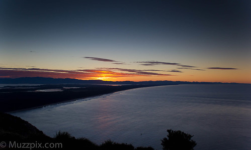 sunset sea newzealand mount nz bayofplenty mountmaunganui taurangaharbour bayofplentynz matakanaisland