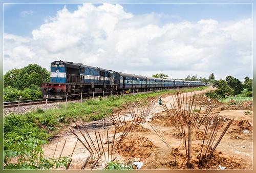 india train 3d track indian karnataka railways trein hospet doubling wdm kumbarkoppa tinaighat