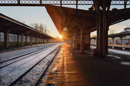 urban morning nikon city road light rays sunrise stpetersburg russia vitebskiy railway station train санктпетербург