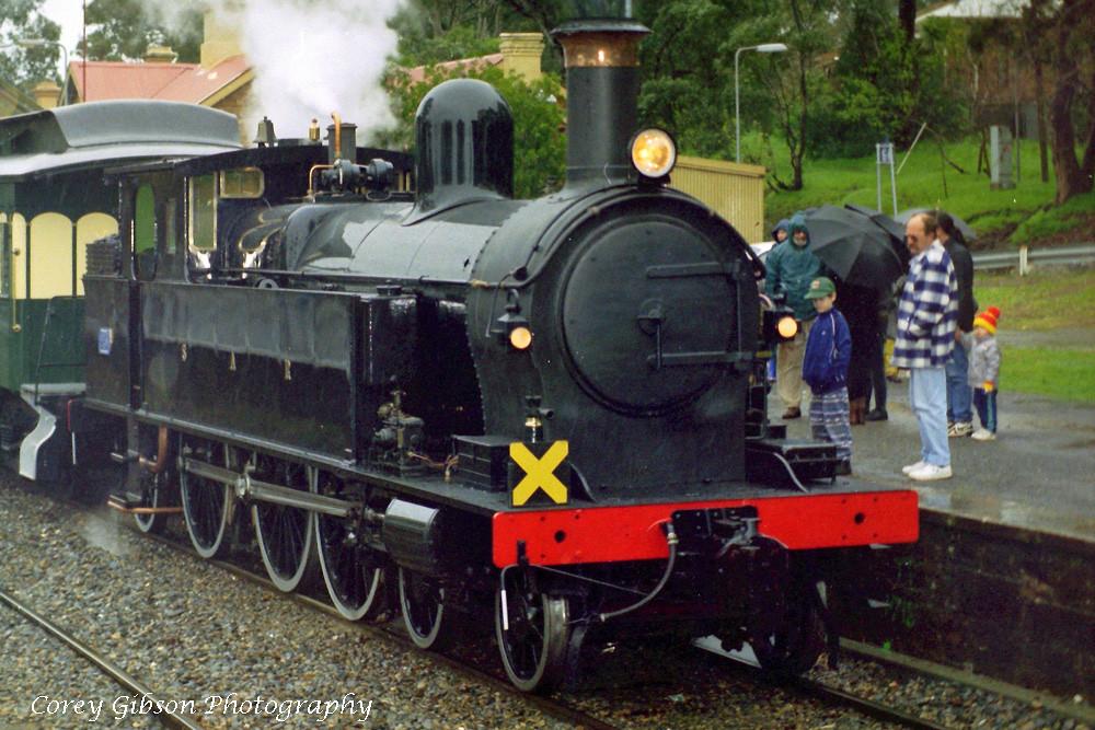 SAR 251 at Blackwood station by Corey Gibson