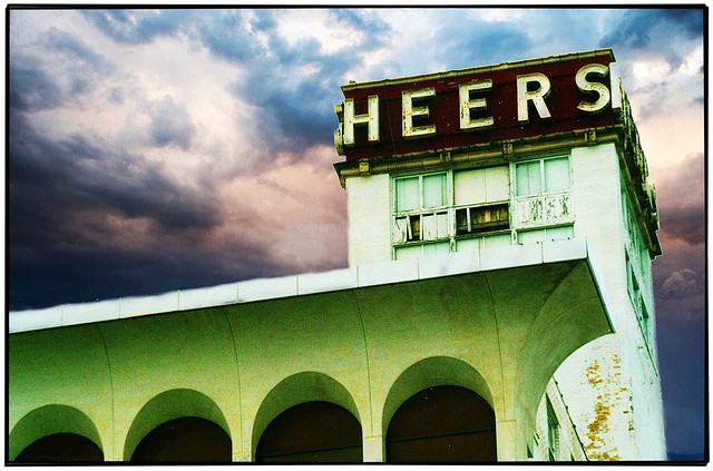 Springfield Mo  ~ Heers Department  Store ~ Closed ~ Old Film ~ Old Neon Sign