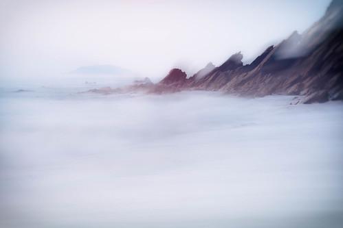 panasonic1235mmf28x beach sunrise wideangle millendreath looeisland gx7 panasonic wave stgeorgesisland seamist longexposure cornwall rocks