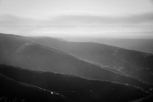 sky mountains portugal clouds landscape blackwhite paisaje paisagem céu cielo nubes nuvens minimalist montanhas montañas blanconegro atmosphericperspective minimalista brancopreto 2013 perspectivaatmosférica
