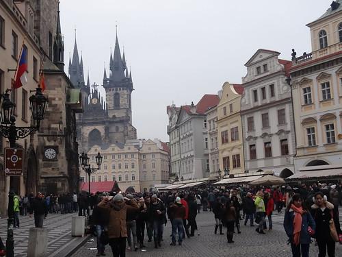 Prag im Herzen ließ der Lenz sich leise nieder beim Festgesang der Nachtigall und als er kam, erwachten wieder die kleinen Blumen überall 01063