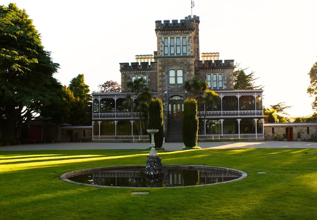ผลการค้นหารูปภาพสำหรับ larnach castle dunedin