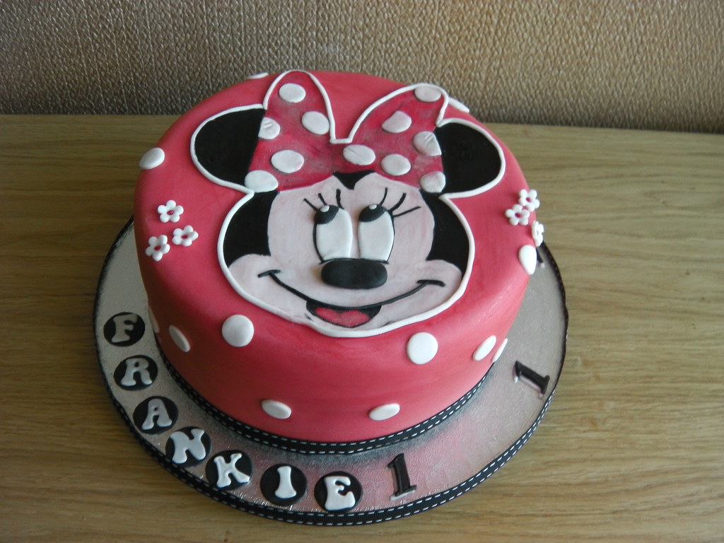 Astonishing Minnie Mouse 1St Birthday Cake Mandys Homemade Cakes Flickr Personalised Birthday Cards Veneteletsinfo