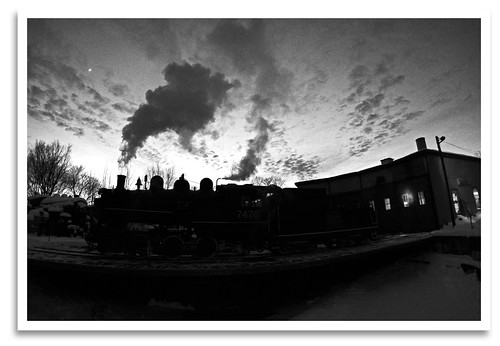 sunset blackandwhite bw silhouette yard mono twilight nh turntable fisheye event locomotive steamengine excursion switcher 060 roundhouse northconway conwayscenicrailroad steaminthesnow canonef815mmf4l massachusettsbayrailroadenthusiasts cn7470