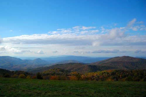 maxpatch fall colors sky clouds trees mountains ncmountainman nikon d70s phixe lowresolutionversion