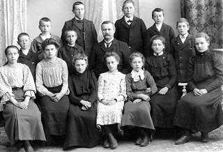 Avgangklasse Byåsen skole (1907)